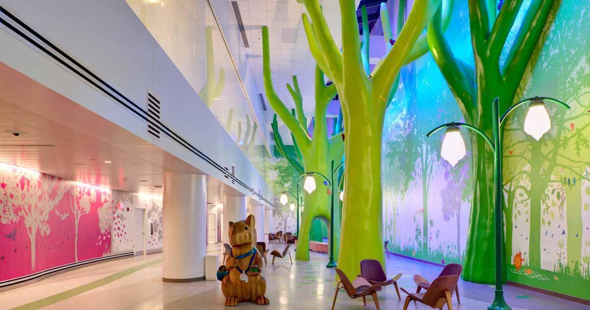 Cómo crear una experiencia positiva en visitas a hospitales