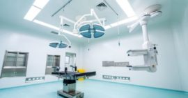 Iluminación y mesas de imágenes en salas de cirugía híbridas