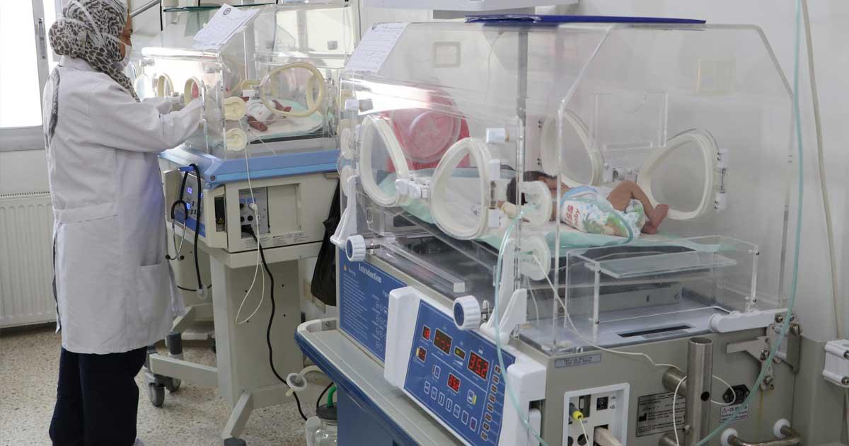 Incubadoras modernas garantizan la salud de bebés en Hospitales