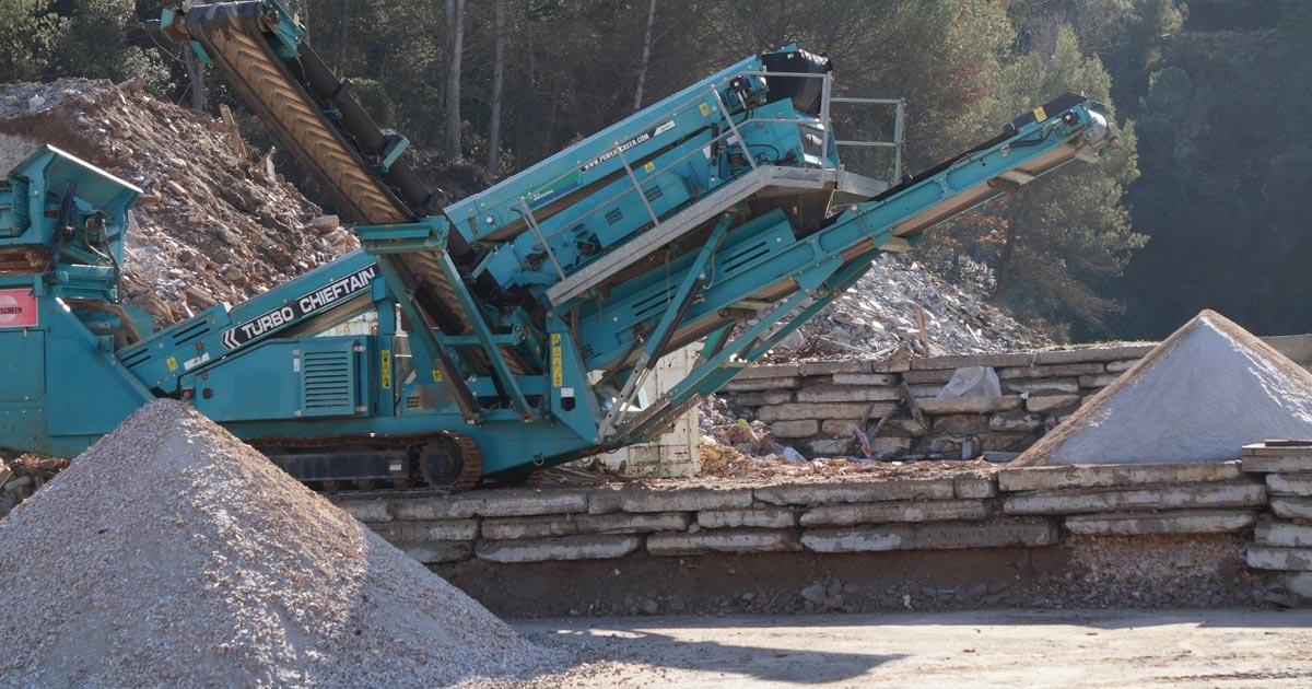 Reciclaje de escombros útil para la construcción prefabricada