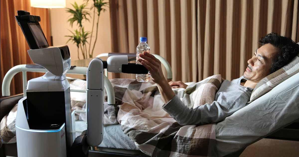 Robots ayudan a pacientes + realidad virtual y monitoreo remoto